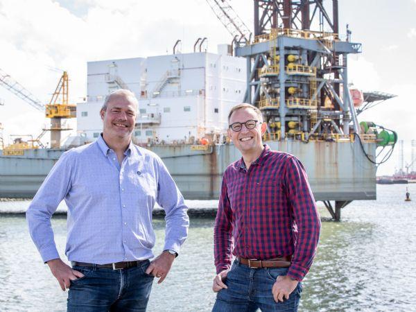 Esbjerg Havn er allerede et af verdens knudepunkter for havvind, og beliggenheden ved Nordsøen udgør et enormt potentiale for fremtidens investeringer i grøn energi. Det mener direktørerne Morten Melsing (t.v.) og Kenneth S. Hagelskjær (t.h.) fra henholdsvis fra Melsing Engineering & Consulting og EMS.