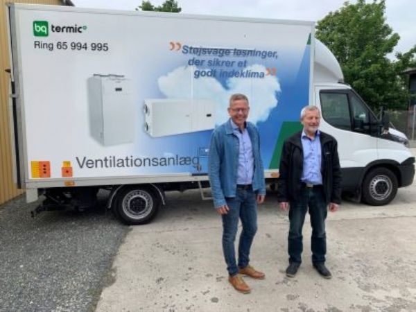 Salgsdirektør Lennart Pedersen, BG Termic Plus. og administrerende direktør hos BG Group Anders Kjeld,  ser frem til at samle ventilation og biovarme under ét.