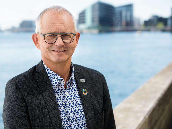 IDA-formand Thomas Damkjær Petersen glæder sig over, at Danmark nu bliver hevet ud af klimanølet, og håber, at der bliver bygget oven på den indgåede grønne transportaftale.