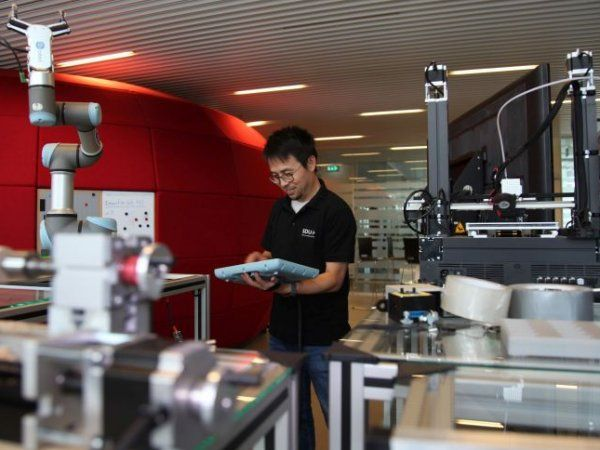 Lektor Fei Yu ved SDU Technology Entrepreneurship and Innovation vil oprette virtuelle laboratorier for ingeniørstuderende ved universitetet.