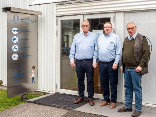 Ejerkredsen og ledelsen af Parlock foran hovedsædet i Greve. Fra venstre: Morten F. Larsen, Anders F. Larsen og Jesper F. Larsen.