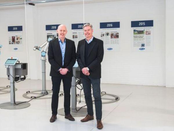 Bila-direktør og indehaver Jan B. Sørensen (t.v.) glæder sig over at indlemme PJM i Bila-familien. Her ses han sammen med PJM-CEO Benny Smith (t.h.).