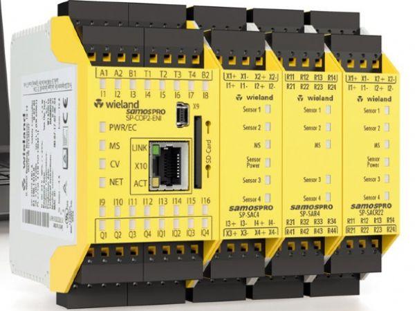 Samos Pro Compact, hedder den kompakte sikkerheds-PLC, som Wieland aktuelt lancerer.