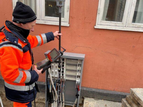 Med en Trimble S7 totalstation og en Trimble R12i GNSS-enhed har Tavs Leonhardt effektiviseret sin arbejdsdag.