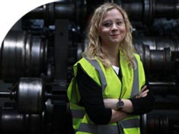 DIRA-netværkskoordinator Kathrine Viskum Rasmussen er i forbindelse med de øgede aktiviteter i færd med at søge yderligere en faglig stærk profil.