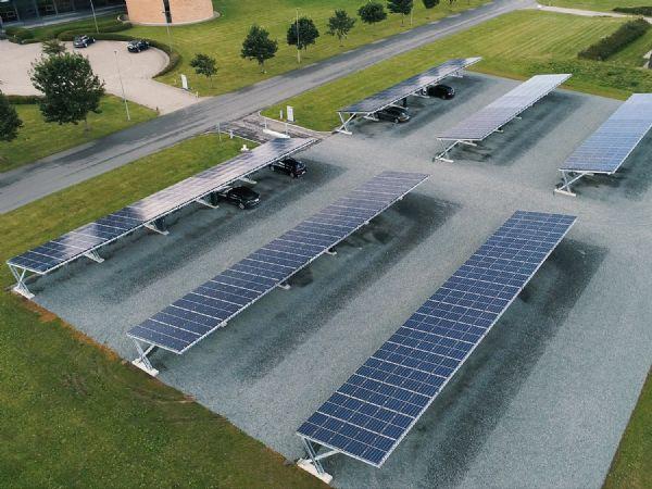 Blandt Solar-initiativerne er opstilling af solceller ved hovedsædet i Varde.