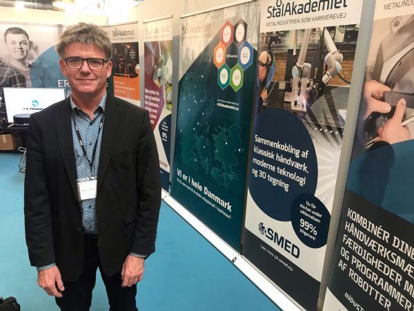 Stålakademiets Henning Dam lancerede initiativet, der samler indsatsen omkring industritekniker-, støberitekniker, værktøjsmager-, automatiktekniker-, smed- og skibsmontøruddannelserne, på hi-messen. (Foto: Thore Dam Mortensen/Teknovation)