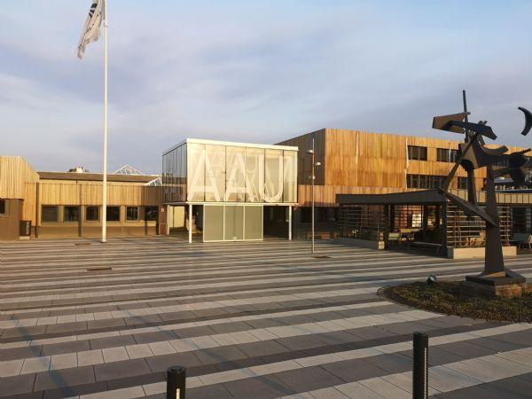 AAU campus Esbjerg  har valgt at spille ind, og tilbyde uddannelser med IT-kompetencer til virksomhederne på Esbjerg-kanten. (Foto: Jens Jørgen Jensen/AAU)