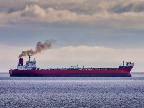 Konsortiet udvikler på en særlig type røggassensor, der skal kunne måle udledningen af sodpartikler fra et skib i realtid.  (Arkivfoto: Adobe Stock)