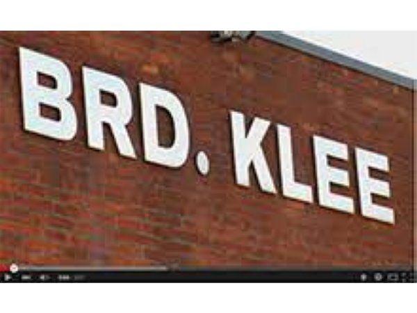 Det aktuelle regnskabsår forløber bedre end planlagt, meddeler Brd. Klee, der opjusterer til et før-Covid-19-niveau.