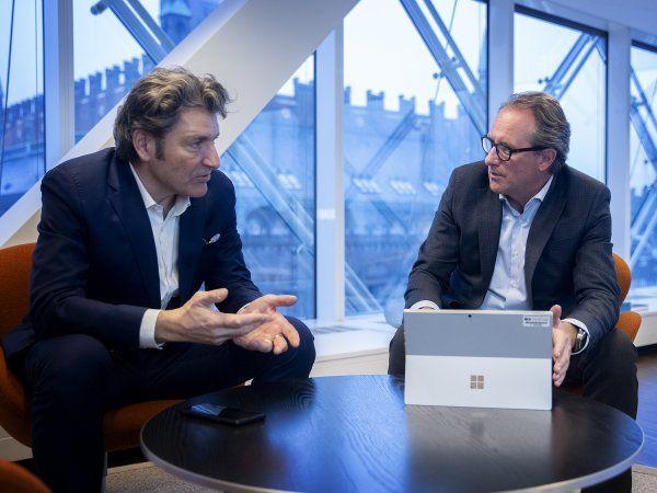 CEO André Rogaczewski, Netcompany, og DI-direktør Lars Sandahl Sørensen, ser muligheder for Danmark, men det kræver en ekstraordinær indsats. (Foto: Thomas Arnbo)