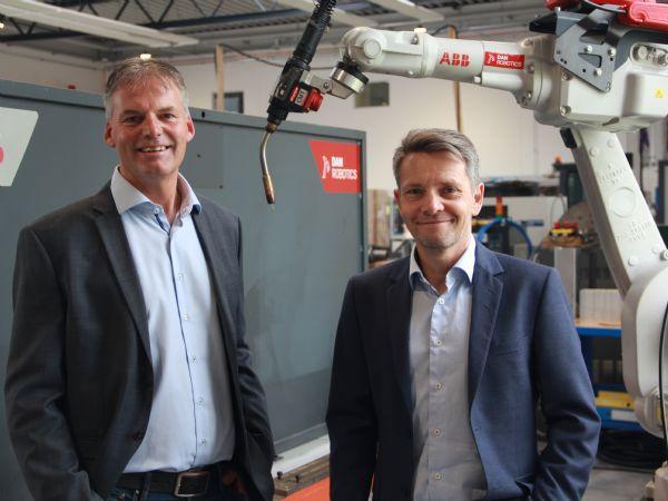 Stefan Sønnichsen (t,v,) og Kim Koertsen, DanRobotics, ser et stort marked inden for svejserobotter i Tyskland.