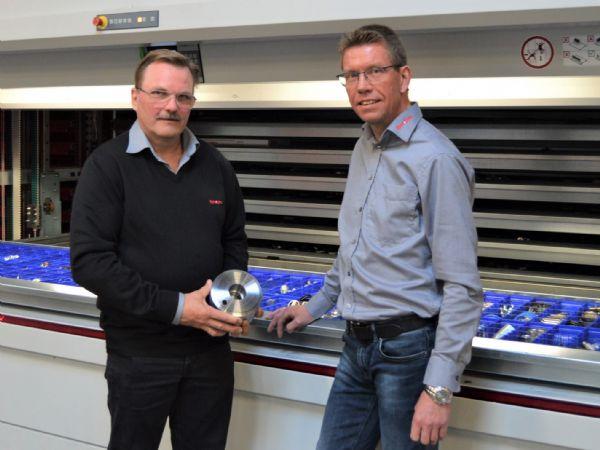 Flere millionordrer på rustfrie løsninger er modtaget i forårets opstart ved Hydra-Comp, fortæller her direktør Jørgen Jacobsen (t.v.) og salgschef Jesper Frederiksen (t.h.).