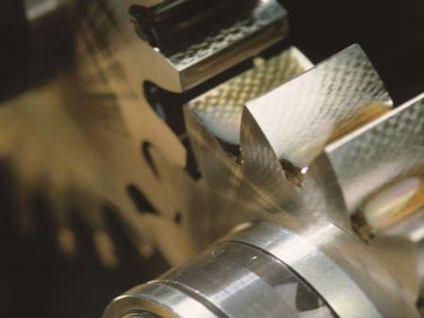 Renolin Unisyn XT dækker over en serie fuldsyntetiske gearolier, som aktuelt erstatter den eksisterende serie Renolin Unisyn CLP xxx N, VG 68-1000, oplyser Fuchs.