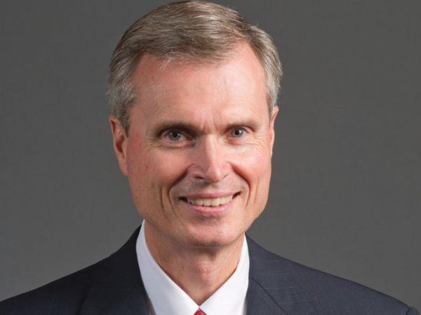 Parker-CEO Tom Williams fremhæver, at producenten har  forpligtet sig til at opnå en CO2-neutral drift i 2040.
